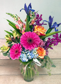 Classic Colors Floral Arrangement