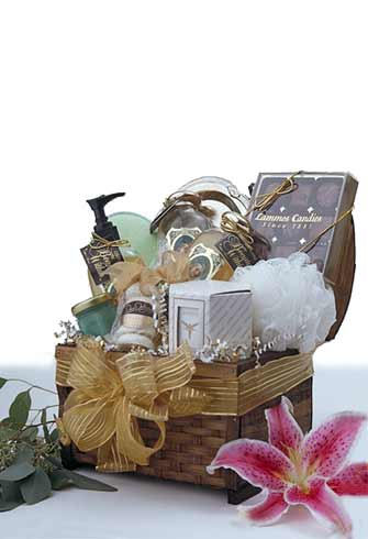 Luxe Living Gift Basket